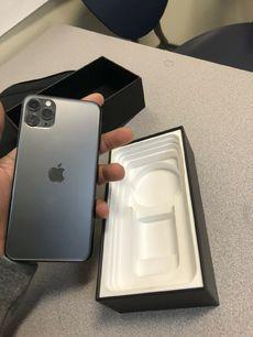 Selling Apple iPHone 11 pro max 256gb